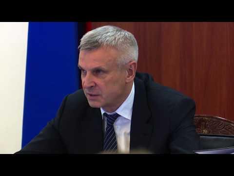 Губернатор Колымы Сергей Носов уволил из регионального правительства министра Сергея Чеканова