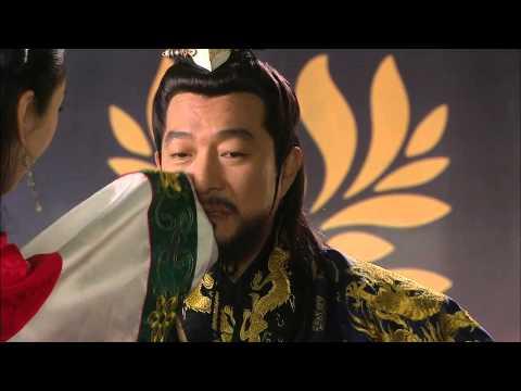 [HOT] 제왕의 딸 수백향 44회 - 폐하에게 감주를 뿜은 설난, 융 앞에서 단영무를 추는데.. 20131203