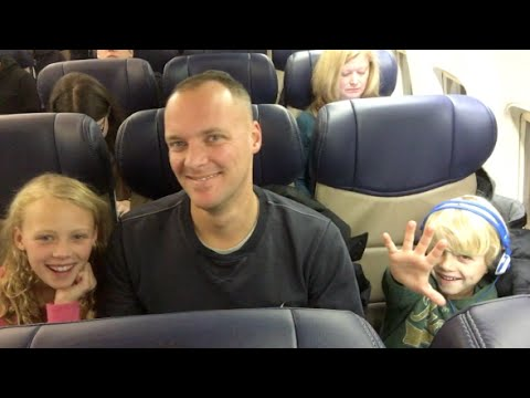 How to Travel on an Airplane with Kids Tips
