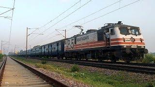 13413/14 MLDT-DLI-MLDT Farakka Express with GZB WAP-5 & AJNI WAG-9 Xing Bhaupur