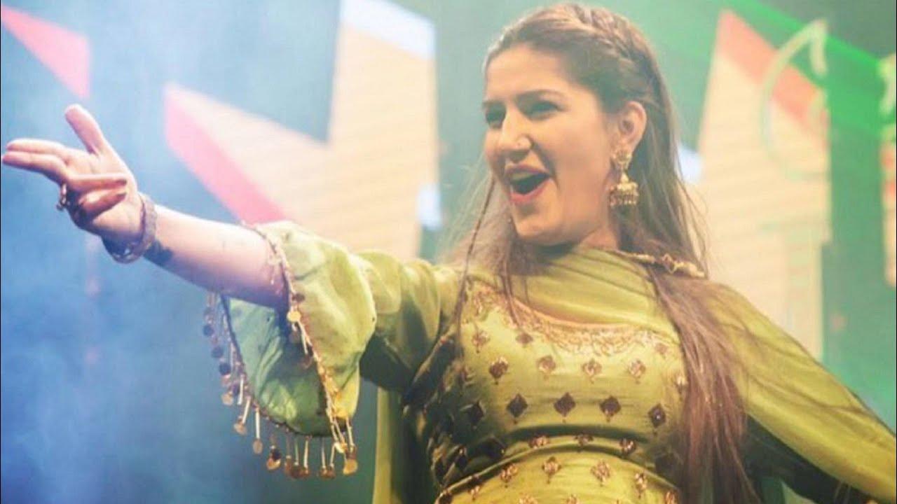 Download Gajban pani le chali sapna chaudhary stage dance ratupura