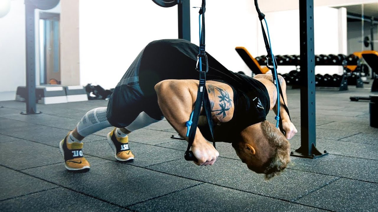 Sling Trainer Brust Workout