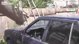 Zastawił mu AUTO :D potraktował go betonem! ||| www.facebook.com/zTYPABEKA