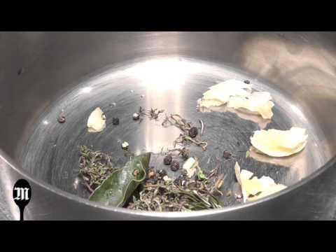 astuce-de-chef-:-comment-réaliser-une-vinaigrette-originale-avec-un-jus-de-viande-?