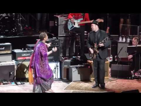 Love Rocks ft.Lisa Fischer - Gimme Shelter 3-9-17 Beacon Theatre, NYC