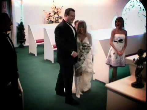 Las Vegas Wedding With Dove Release Cupids Chapel