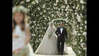 Lara Scandar's breathtaking bridal entrance !