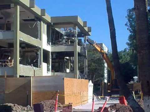 Demolici n en edificio fad uabc i youtube Arquitectura y diseno uabc
