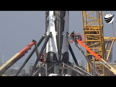 SpaceX - Remove Legs and Pressure Wash -SES-10  04-05-2017