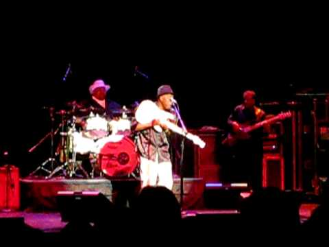 "Buddy Guy ""Let The Door Knob Hit Ya""  Pullo Center York PA 10/27/10"