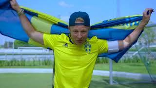 Blågult-spelarnas reaktioner - när de får höra barnens VM-låt - TV4 Sport