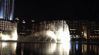 Jets d''eau au pied de Burj Khalifa DUBAI