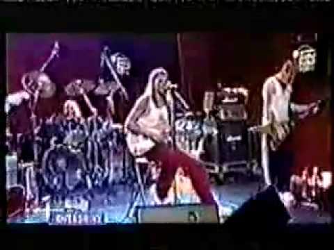 "Kid Rock -""I Am the Bullgod"" live electro acustic"