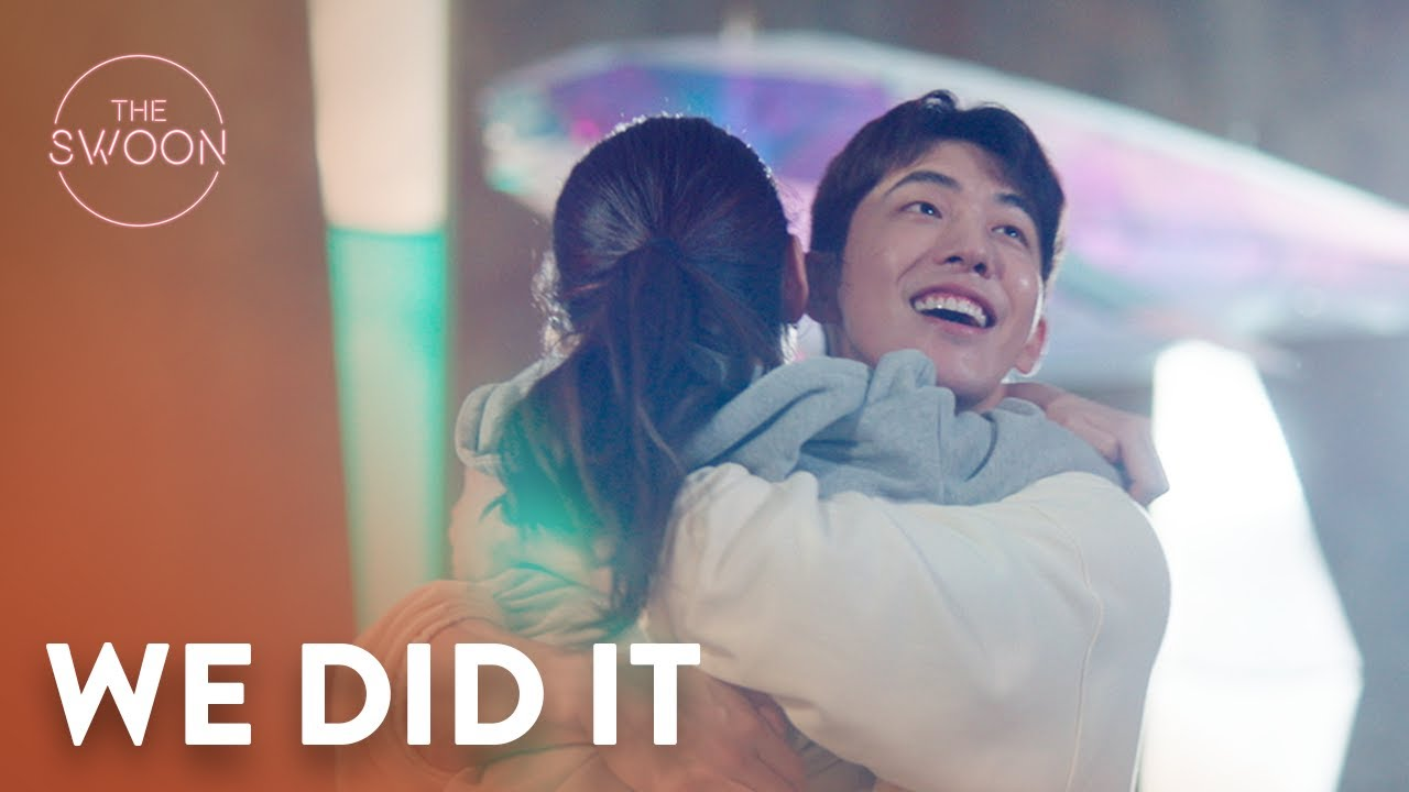 Download Suzy leaps into Nam Joo-hyuk's arms in celebration | Start-Up Ep 5 [ENG SUB]