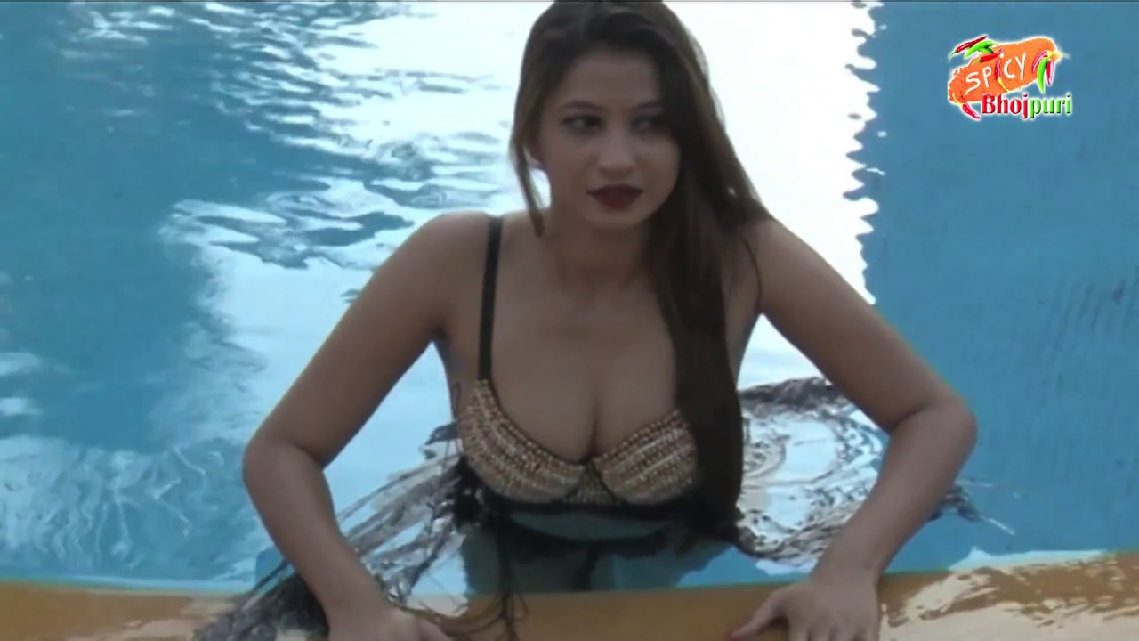 Bhojpuri Actress Ka Photoshoot Swimming Pool Me  Spicy
