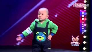 Jet Li Surprised By a 3 Years Old Chinese boy Dancing  ( HD )