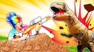 Смешное видео - Динозавр Юрского Периода на базе Нерферов? – Игры  с бластерами Нерф.
