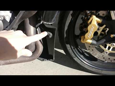 Triumph Daytona  (-): How to Remove the Motorcycle Fairings