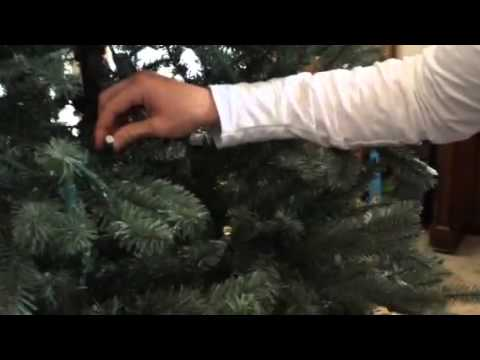 Super Easy Way To Fix Your GE Prelit Christmas Tree's Dead Light  - Fix Christmas Tree Lights On A Pre Lit