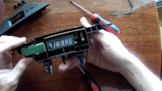 видео Встраиваем цифровой вольтметр в панель приборов