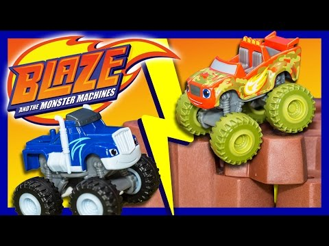 BLAZE AND THE MONSTER MACHINE Nickelodeon Camouflage Blaze Monster Truck Toys Video Unboxing