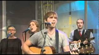 "Ryan Tennis and the Clubhouse Band Perform ""We the People"" on The 10! Show"
