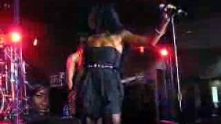 Melanie Fiona Live at Essence Music Festival 2009, Bang Bang