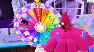 I Spun the Prize Wheel 3 days in a row! Roblox Royale High