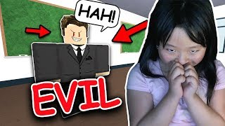RUNNING FROM AN EVIL PRINCIPAL IN ROBLOX!!