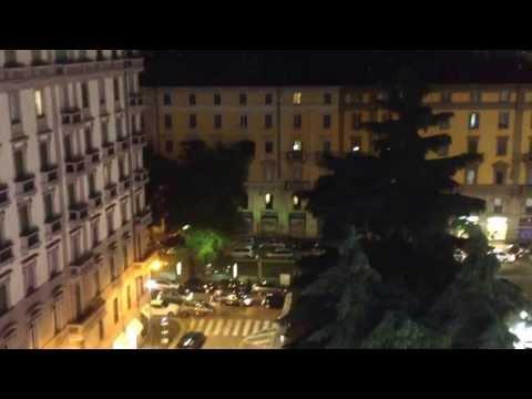 Milano, Piazza 5 giornate vista da ristorante Globe