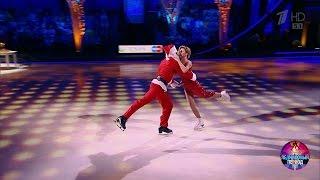 Юлианна Караулова иМаксим Траньков— «Santa Baby».Ледниковый период. (24.12.2016)