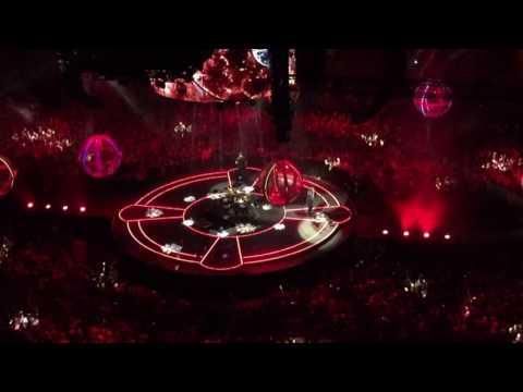 Muse: Super Massive Black Hole in London O2 Arena