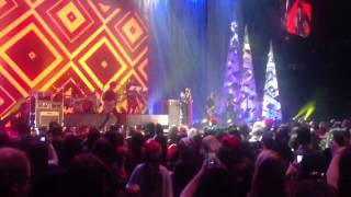 Carly Rae Jepsen - This Kiss (Live at Much Music Jingle Ball 2012)