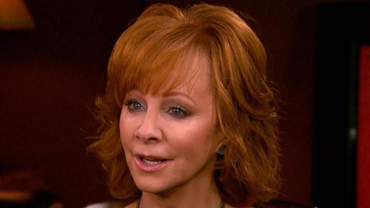 Reba McEntire Talks Christmas Album and Las Vegas Residency - YouTube
