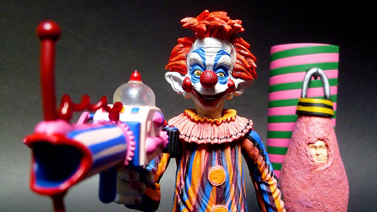 Glenn sees killer klowns from outer space youtube for Space clowns