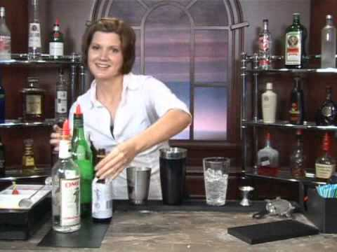How to Make the Del Monaco Mixed Drink