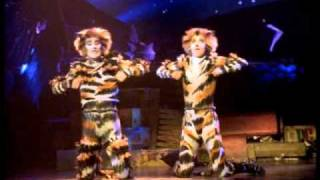 Mungojerrie and Rumpelteazer - HD, from Cats the Musical - the film