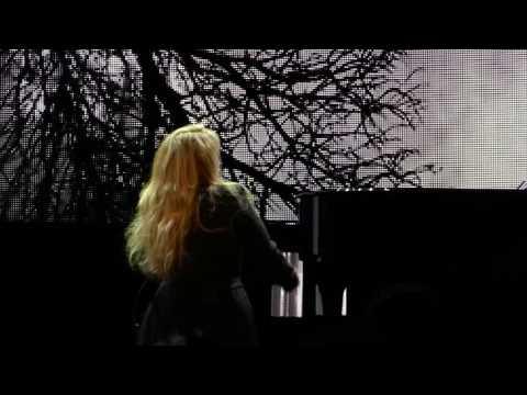 Stevie Nicks - Edge Of Seventeen - New York City 12-01-2016