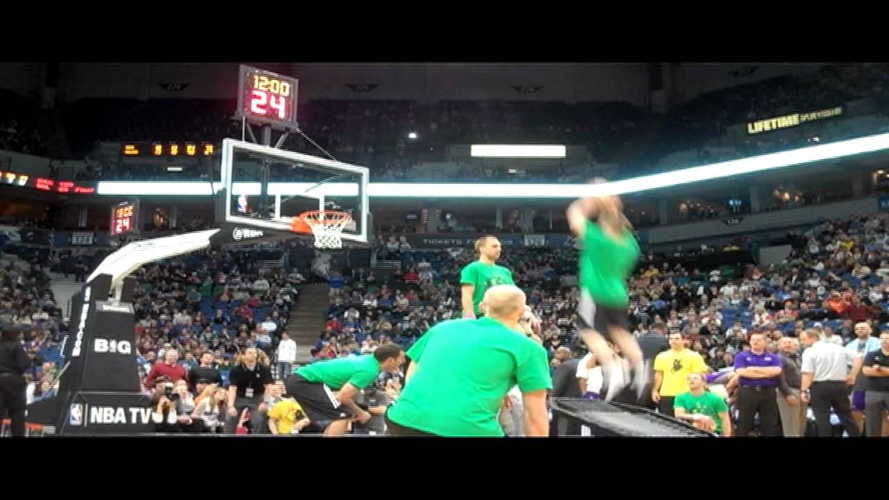 Minnesota Timberwolves Hoop Troop Dunk Team Wolves V Suns 2012