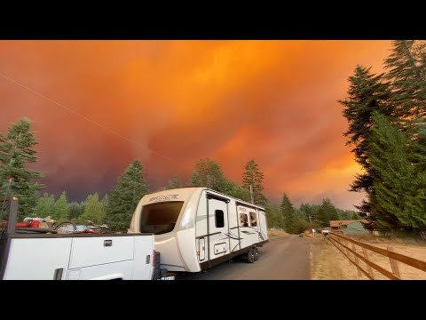Escaping The Oregon Wildfires! Fire within 100' of my house!!!