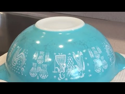 How to Clean Vintage Pyrex! Cleaning Amish Butterprint and Restoring Vintage Pyrex Glassware!
