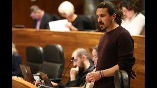 Andrés Vilanova pregunta sobre la escala salarial d las categorías profesionales técnicas sanitarias