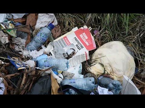 شاهد: أطنان من القمامة تلوث بحيرة أماتيتلان في غواتيمالا …  - نشر قبل 6 ساعة