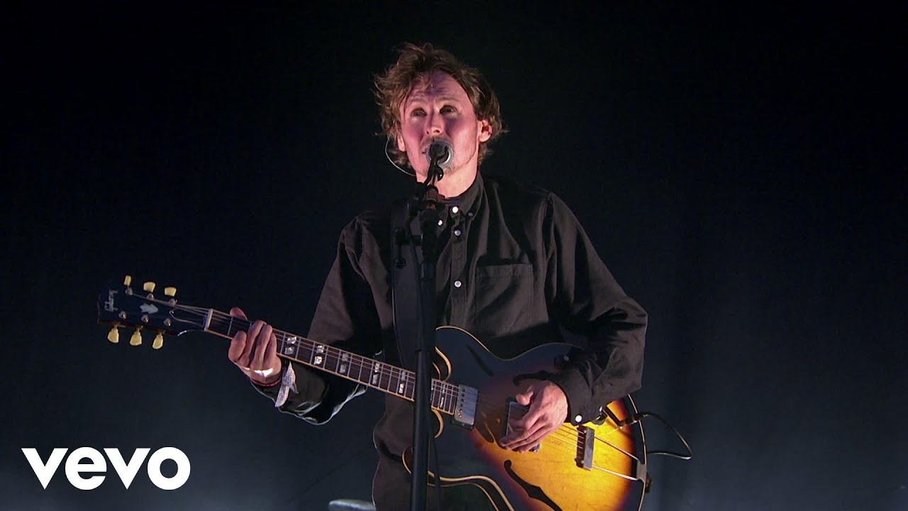 ben-howard-i-forget-where-we-were-live-at-glastonbury-2015-benhowardvevo