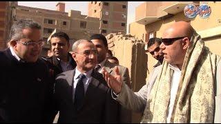 أخبار اليوم| مواطن يهاجم وزير الآثار ويقول: أخيراً جيت بنها.. فيرد العناني: أنها ليست الزيارة الأولى