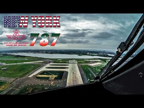 BOEING 787 FLIGHTDECK Departing New York JFK