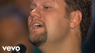 Bill & Gloria Gaither - O Holy Night [Live] ft. David Phelps