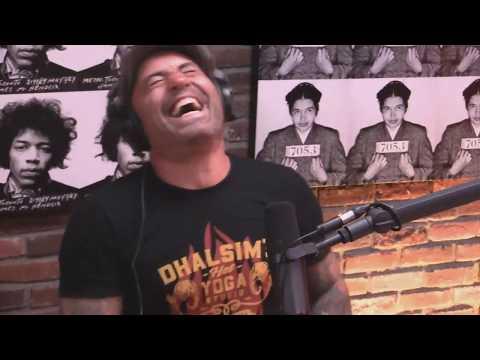 "Jamie Foxx tells Joe Rogan about recording ""Slow Jamz"" with Kanye West"