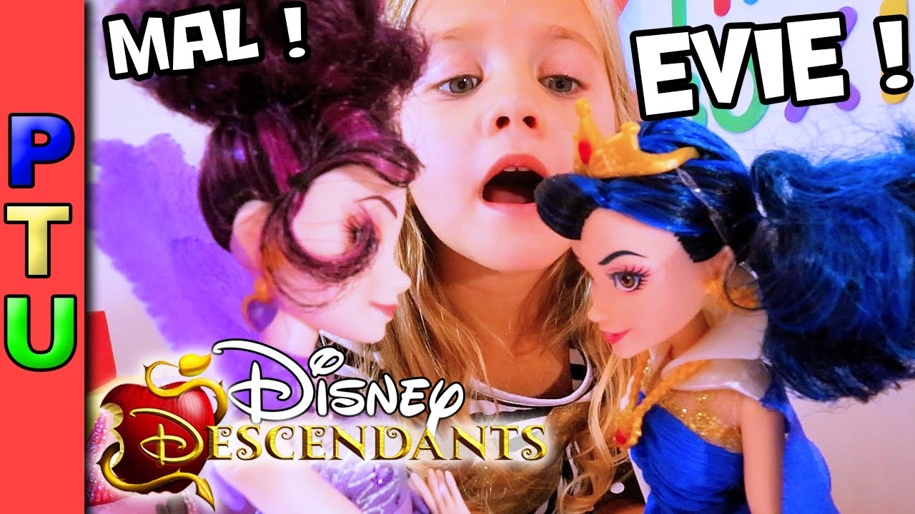 DISNEY DESCENDANTS 2 Movie Toys: MAL and EVIE dolls Disney Princess Toys Episode 6