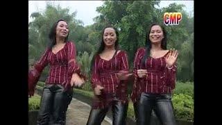 Download lagu Simatupang Sister - Ama-Ama Do Hape - ( Official Musik Video )